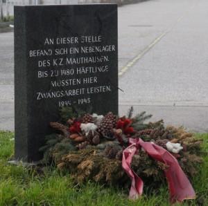 Gedenkstein Saurerwerke - Wien - klein